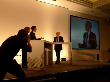 Bundesrat Ueli Maurer am Kongress der Schweizer Presse - nach seiner Rede befragt von Esther Girsberger und Patrik Müller vom Dep. Publizistik